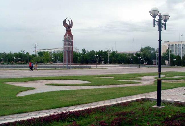 г. Гулистан, Центральная площадь